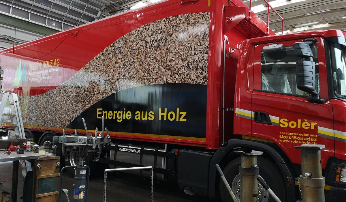 LKW Folierung Solèr Holz
